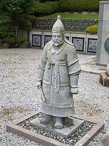 פסל של ג'אקו במקדש קוריאני עתיק